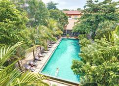 Plantation Urban Resort and Spa - Nom Pen - Piscina