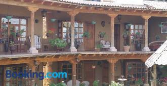 Eco Hotel Ixhi - Patzcuaro - Rakennus