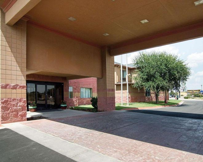 Quality Inn - Midland - Gebäude