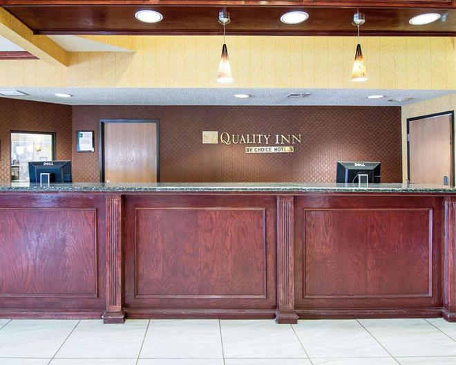 Quality Inn - Midland - Rezeption