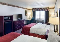 Quality Inn - Midland - Schlafzimmer