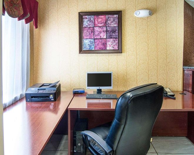 Quality Inn - Midland - Business Center