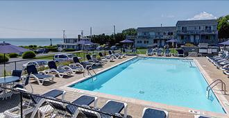 Hartmans' Briney Breezes Beach Resort - Montauk - Pool
