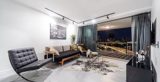 3 br CBD Epic views and large rooftop Netflix/Pool/Spa/Sauna/Gym lux furniture - Brisbane