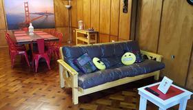 Random Hostel - Rosario - Living room