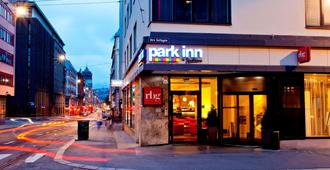 Park Inn Oslo - Oslo - Edificio