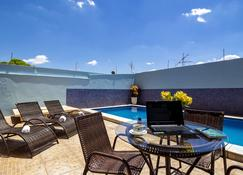 Dan Inn Barretos - Barretos - Pool