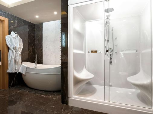 索契克拉斯那亞帕良納里克瑟斯酒店 - 卡拉斯拉雅波利亞納 - 卡拉斯拉雅波利亞納 - 浴室