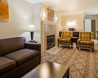 Best Western Executive Inn - Los Banos - Living room