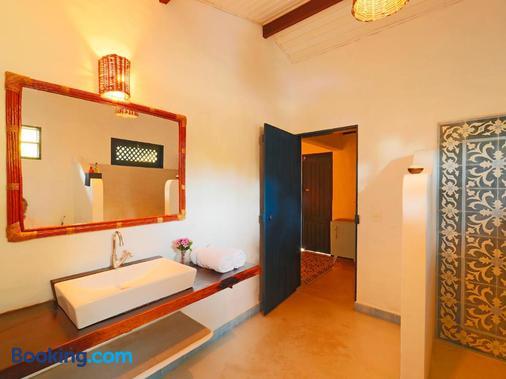 Pousada Xuê - Porto de Pedras - Bathroom