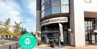 Kyriad Prestige Clermont-Ferrand - Clermont-Ferrand - Gebäude
