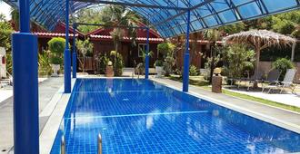 Thai Garden Inn Kanchanaburi - Thành phố Kanchanaburi - Bể bơi