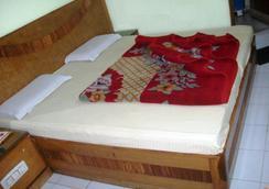 德里攝政飯店 - 新德里 - 臥室