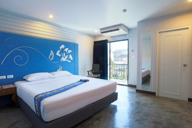 Days Inn by Wyndham Patong Beach Phuket - Patong - Bedroom