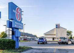 Motel 6 Grove City - Grove City - Building