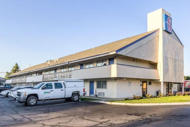 Motel 6 Grove City - Grove City - Building