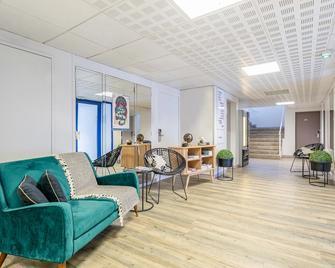 Appart'City Nantes Quais de Loire - Nantes - Living room
