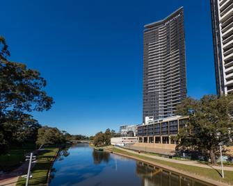 Meriton Suites Church Street, Parramatta - Parramatta