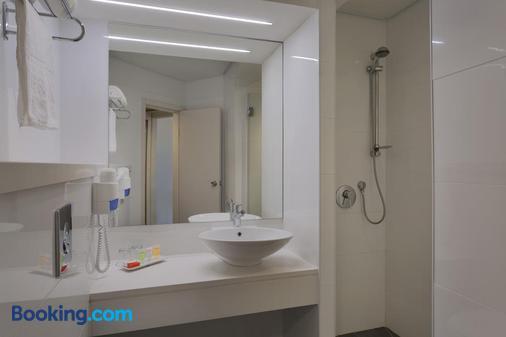 Prima Park Hotel - Jerusalem - Bathroom
