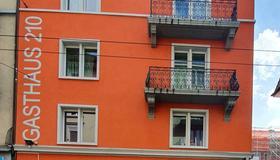 Gasthaus 210 - Цюрих - Здание