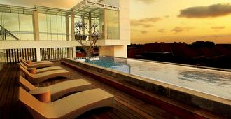 Fashion Hotel Legian - Kuta - Piscina