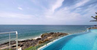 Mercure Salvador Rio Vermelho Hotel - Salvador - Bể bơi