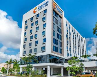 Comfort Inn and Suites Miami International Airport - Miami Springs - Gebäude