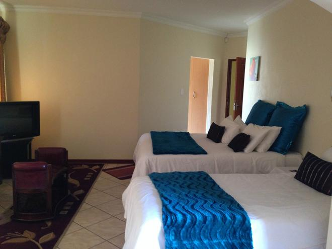 Colts Hill Guest House - White River - Bedroom