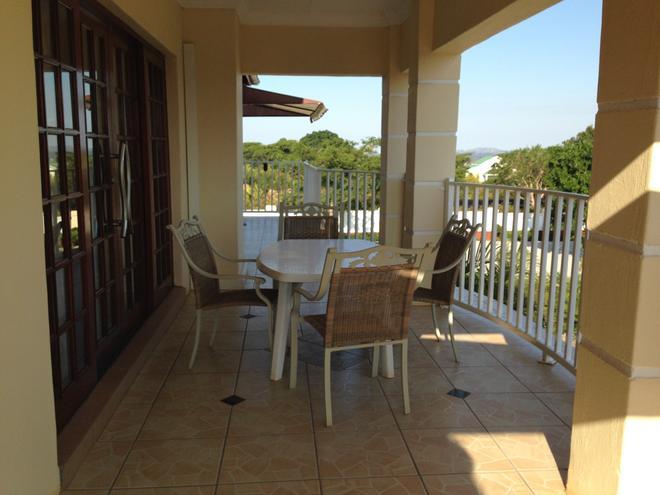 Colts Hill Guest House - White River - Balcón