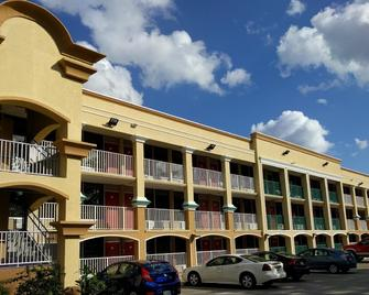 Red Carpet Inn Airport/Cruiseport - Fort Lauderdale - Edificio