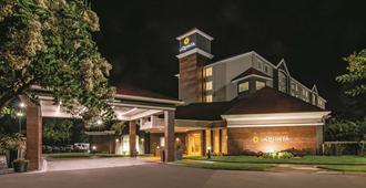 La Quinta Inn & Suites By Wyndham Orlando Ucf - אורלנדו