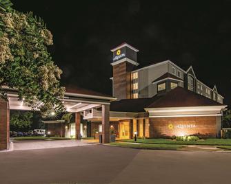 La Quinta Inn & Suites By Wyndham Orlando Ucf - Orlando - Building