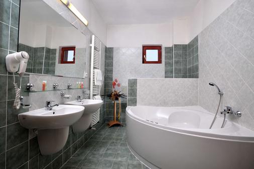 Hotel Plaza - Mladá Boleslav - Bathroom