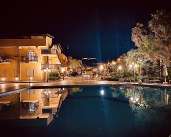 Hotel Villa Romana - Porto Empedocle - Басейн