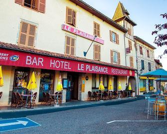 Hôtel Restaurant Le Plaisance - Maurs - Building