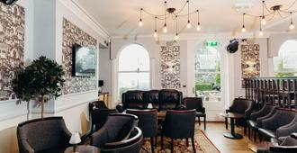 Crown Spa Hotel Scarborough by Compass Hospitality - Scarborough - Lounge
