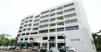 Jubilee Hotel - Μπαντάρ Σερί Μπεγκαβάν