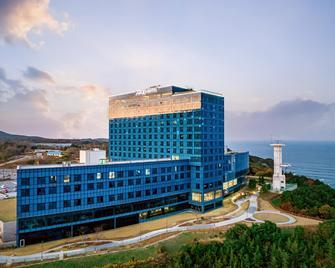 Tops 10 Gangneung Hotel - Gangneung - Edificio