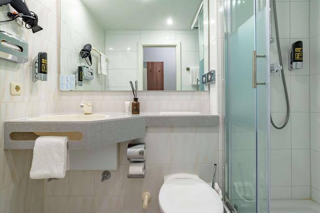 Hotel Astor - Munich - Bathroom