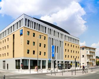 ibis budget Poitiers Centre Gare - Пуатьє - Building