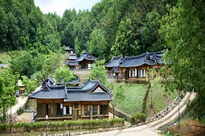Andong Gurume Resort - Andong - Building