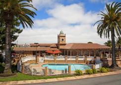 El Rancho Inn, Signature Collection - Millbrae - Pool