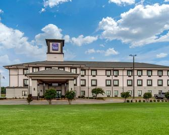 Sleep Inn and Suites Norman near University - Norman - Building