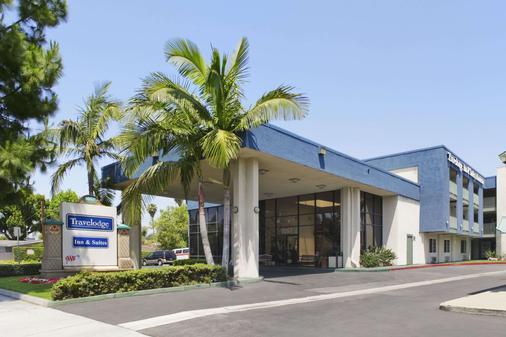 Travelodge Inn & Suites by Wyndham Anaheim on Disneyland Dr - Άναχαϊμ - Κτίριο