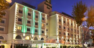 Holiday Inn Istanbul City - Istanbul - Gebäude