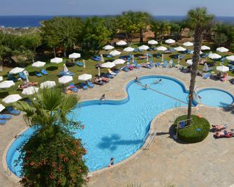 Artemis Hotel Apartments - Protaras - Pool