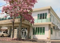 Tropical Villa Kuantan - Kuantan - Building