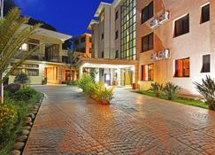 Protea Hotel by Marriott Kampala - Kampala - Building