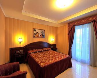 Hotel Lido - Bolsena - Bedroom