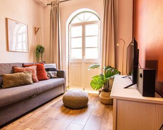 Faro Central - Holiday Apartments - Faro - Living room